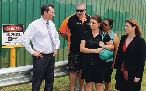 Concerned residents with Labor leader Mark McGowan and West Swan MLA Rita Saffioti at the Dampier to Bunbury natural gas pipeline near the school. Picture: Paul Mclaughlin