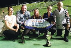 Chase final winner Special Pup with Renee Price ( Greyhounds WA– Mandurah), sponsors Colin Smith and Ella Smith, Chloe Skipper and John Cole.