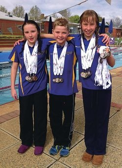 Gold for young swimmers