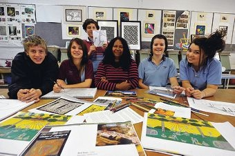 Year 9 students Tyson McMahon, Chloe Goodwin, Mackenzy Burnett and Cortney Bowden with artist Gloria Kearing and Corey Towell (standing). Picture: Jon Hewson d407028