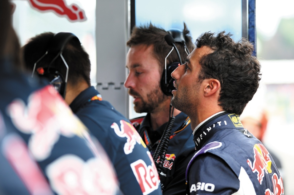 Daniel Ricciardo could only watch from the sidelines after his Renault suffered a power failure.