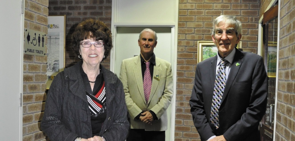 Shire President Helen Dullard, Cr John Daw and Cr Alan Pilgrim were proud to receive local government awards.