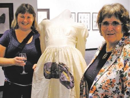 Artists Susan Flavell and Nalda Searles at the opening.