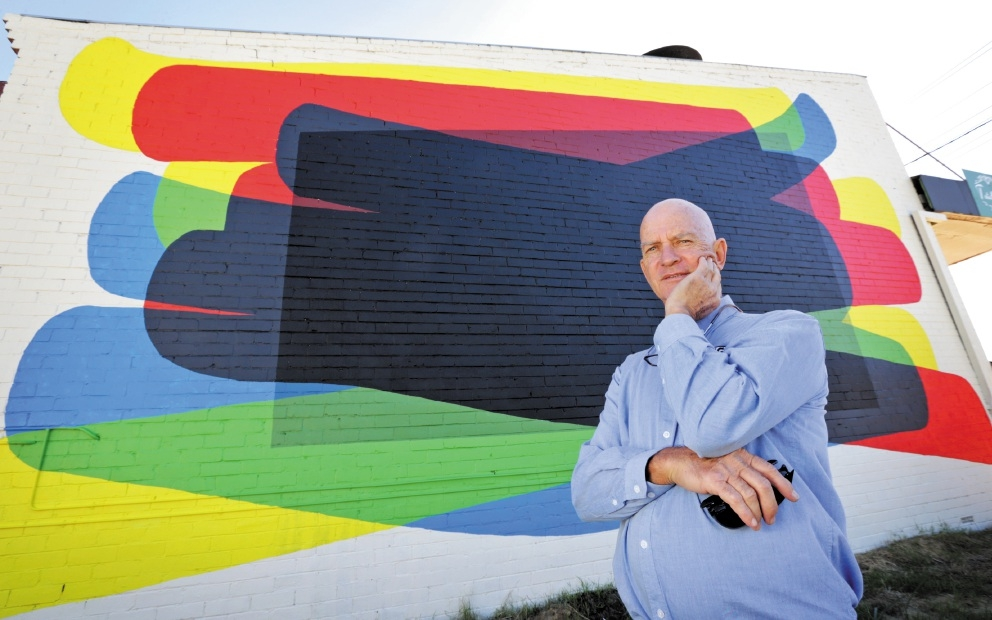 Victoria Park councillor Vin Nairn in front of the contentious mural.