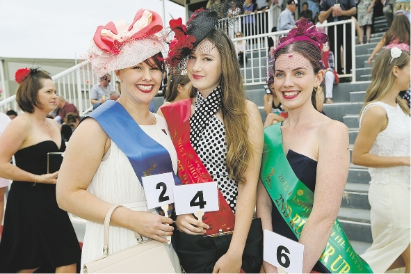 Patrons gallop in to check out track