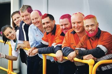 Hairdressers Brydie Laws and Renee Lupton with Kevin Hart, Dave Bromeley, Celestino Coelho, Rod Anthony, Scott Halford and Shaun Goodwin. Picture: Bruce Hunt www.communitypix.com.au d404938