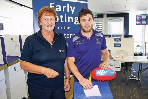 Early birds: star Docker Hayden Ballantyne is calling on fans like Suzanne Fowler to vote early before heading to the NAB Cup clash at Rushton Park on Saturday.