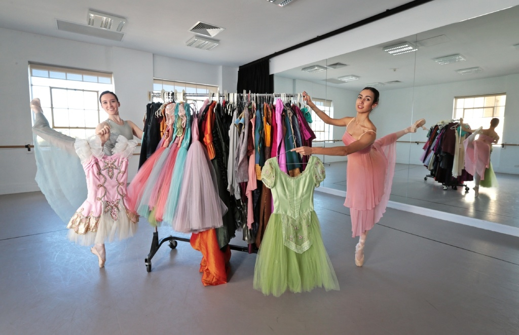 Ballet joins garage sale trail