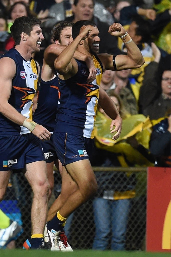 Josh Hill playing for West Coast Eagles.