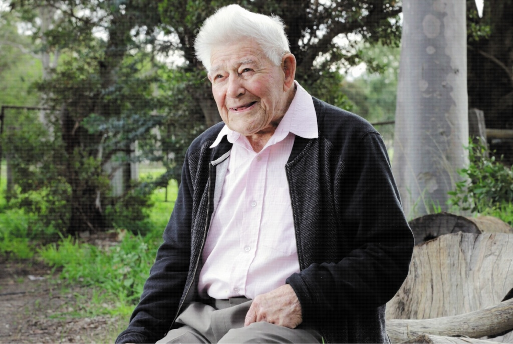 Arthur Rowcliffe still lives independently aged 106. Picture: David Baylis www.communitypix.com.au d442842