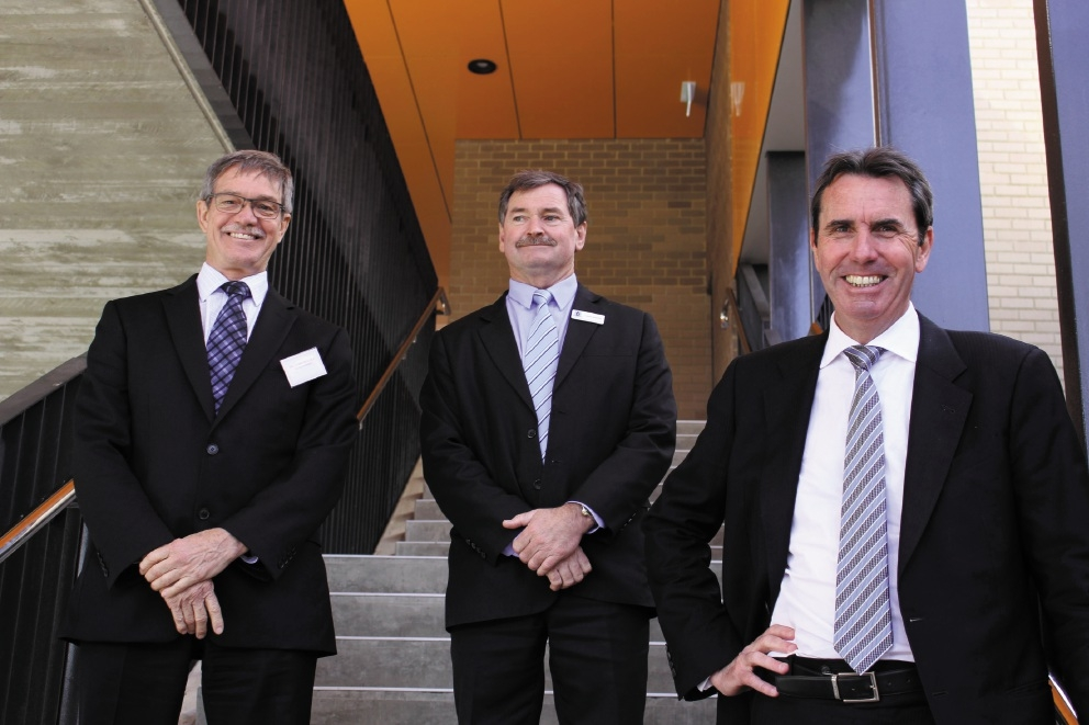 Riverton MLA Dr Mike Nahan, principal Chris Booth and Education Minister Peter Collier.