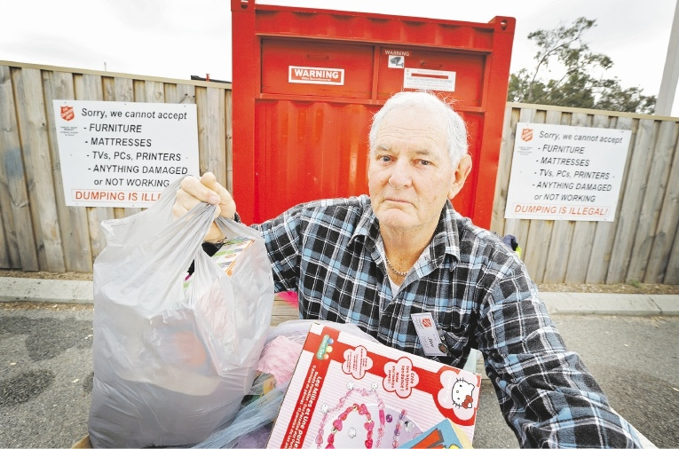 Thieves target donations