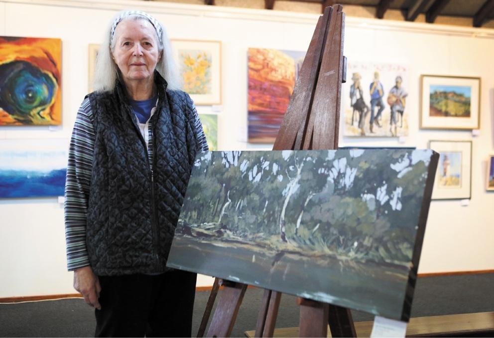 Artist Jill Andruszkiewicz's won the Best in Show Award. Picture: Matt Jelonek www.communitypix.com.au   d442208