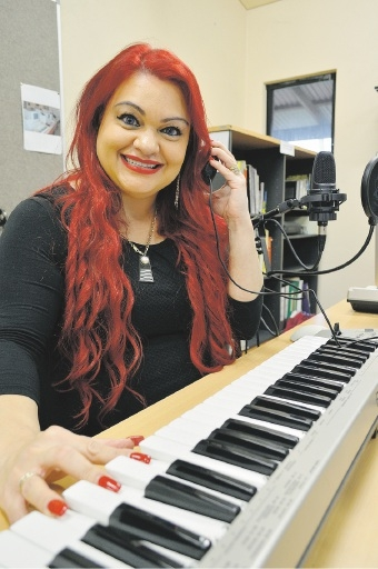 Natasha Eldridge is completing a Diploma of Music at Abmusic.