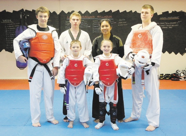 Hudson Shipp (14), instructors Hayden Freeman and Chalitra Buanuch, Tyson Puggaard (18) and (at front) Jayden Borland (8) and Shante Regnault (8).  Picture: Matt Jelonek       www.communitypix.com.au   d441396