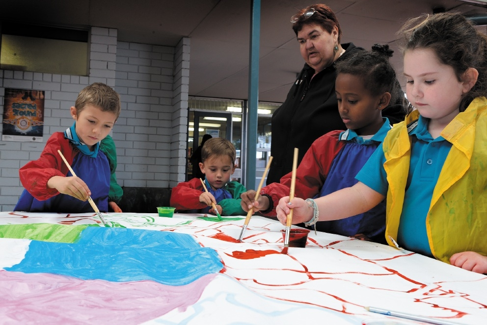 Calvin Kramer and Jaxon McQuoid (year 1) visiting artist Maureen Foster and Tsion Negash and Rosealee Tobar (year 1) . Picture: Martin Kennealey   d441243