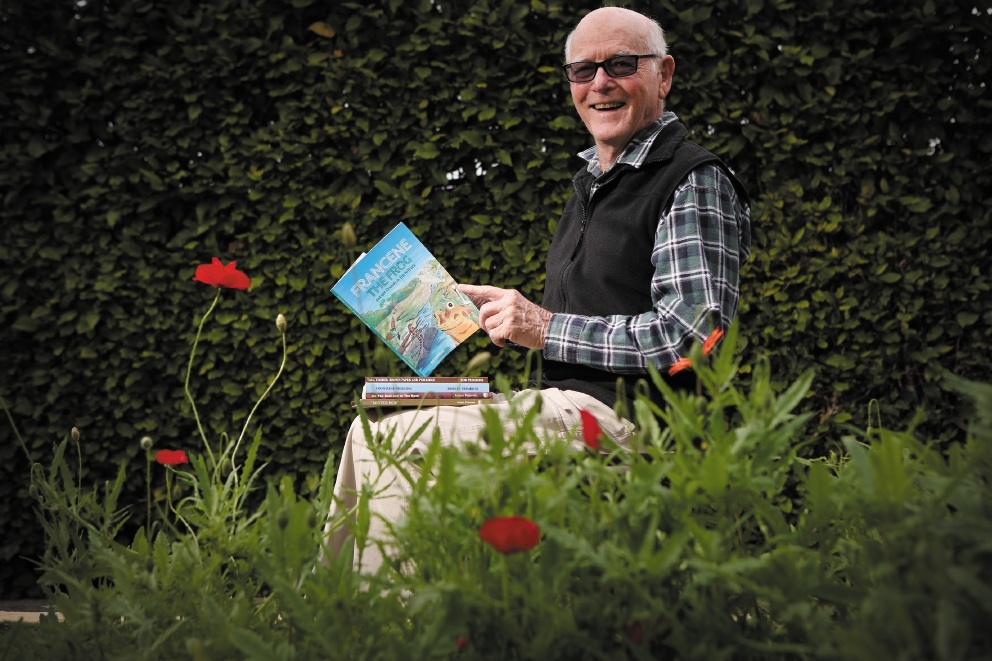 Author Robert Primrose. Picture: Andrew Ritchie www.communitypix.com.au   d441253