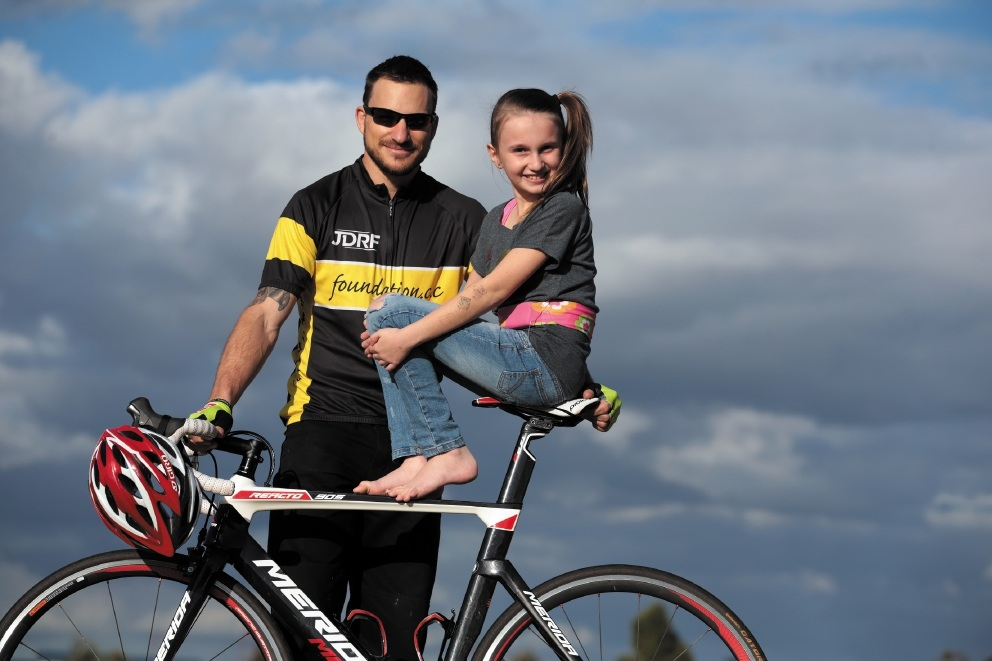 Kyle Masterman and Phoebe Marcinkowski are both living with diabetes. Picture: Martin Kennealey www.communitypix.com.au   d441070