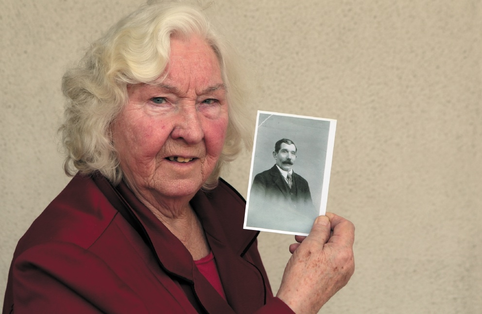 Sylvia McBride with a photo of her uncle, Hector Hawkes. |Picture: Martin Kennealey www.communitypix.com.au   d440710