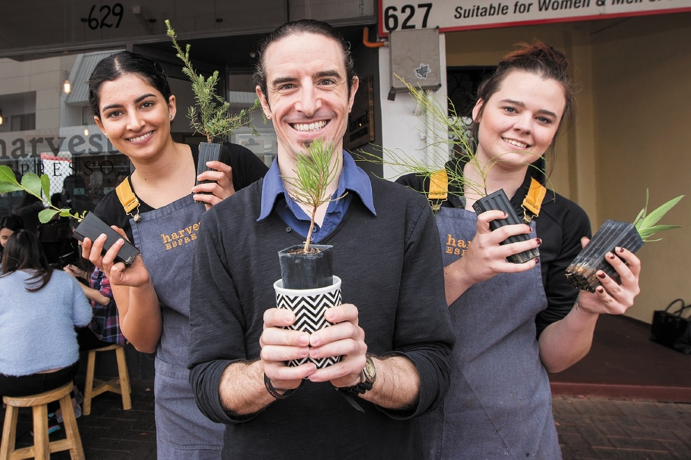 Harvest Espresso's Genevieve Burke  and April Carpenter with Town of Vic Park environmental officer  Brendan Nock. Picture: Will Russell        www.communitypix.com.au   d440152