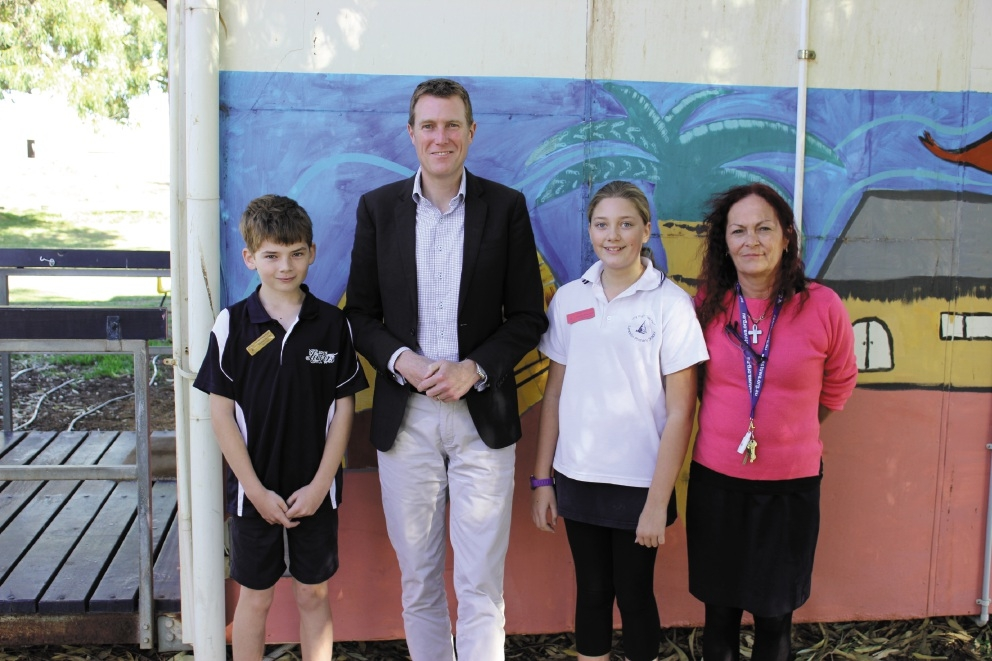 Lancelin Primary School student Thomas Barrett, Pearce MHR Christian Porter, student Georgia McDiarmi and deputy principal Katie Hosking.