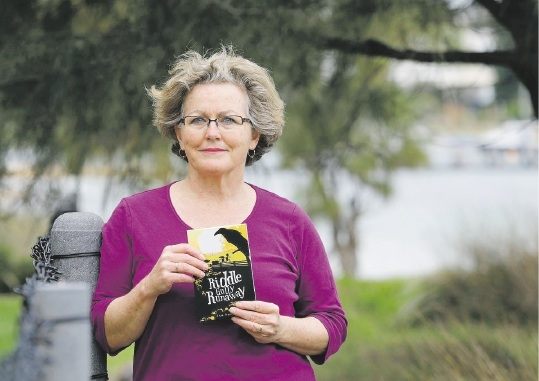 Author Jen Banyard with her book Riddle Gully Runaway.
