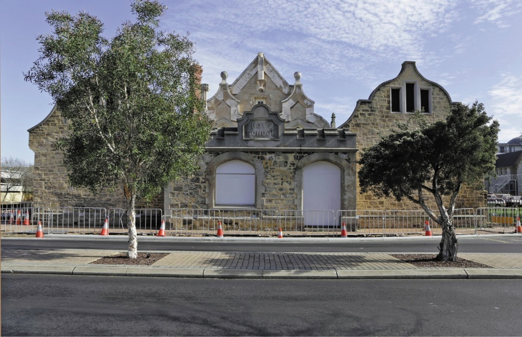 The Old Fremantle Boys School.        d424375