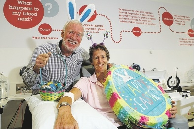 Regular donors Geoff and Jenny Yorath are encouraging people to give blood over the Easter long weekend Picture: Emma Goodwin        d434711