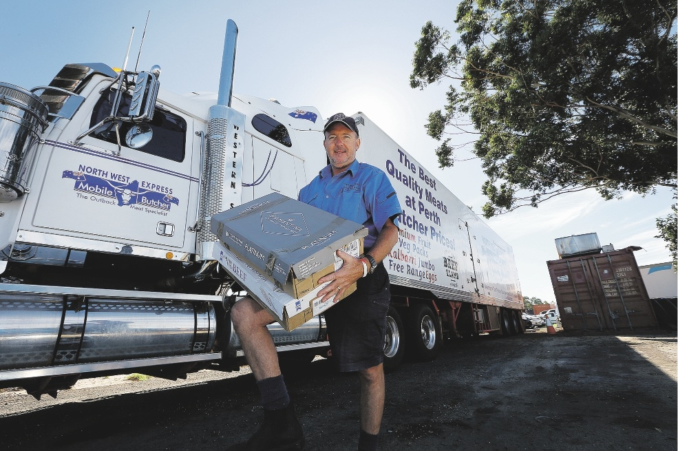 North West Express mobile butcher Larry Brewer is delivering produce to  Carnarvon.  Picture: Emma Goodwin d435351