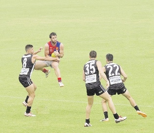 Steven Browne marks under pressure for West Perth.