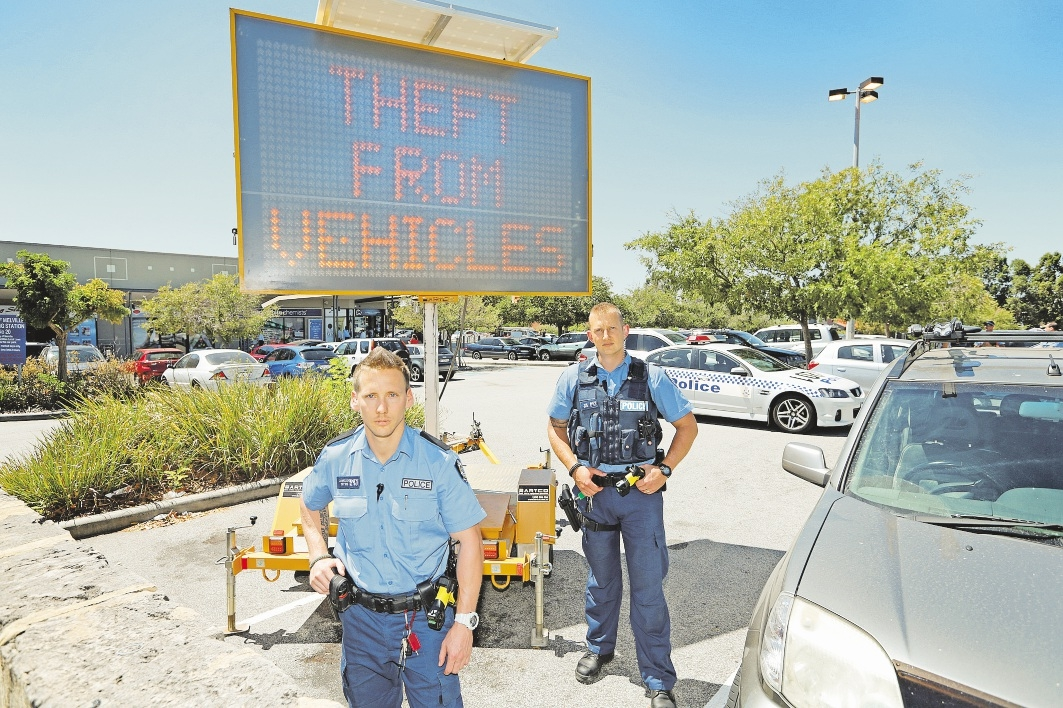 Constable Jay Langlois and Senior Constable Andrew Slee from Murdoch LPT3 in action.