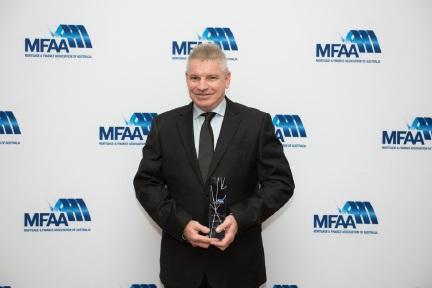 Ellenbrook broker Brett Richardson with his award.
