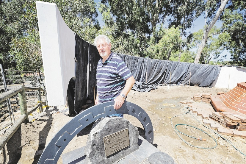 Kelvin Liddiard, Victoria Park RSL sub-branch president and prime mover of the commemorative wall, has been stymied by a lack of response and funding for the project.  Picture: David Baylis