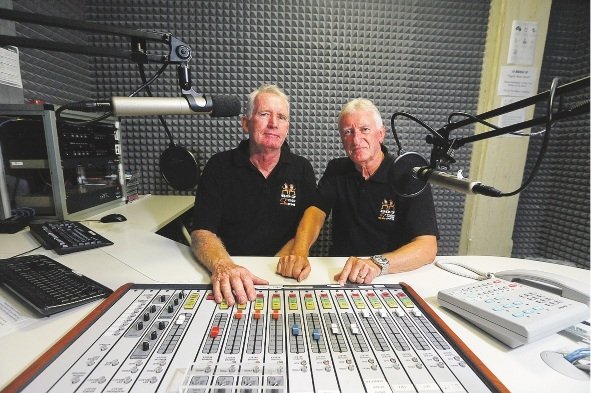 Ian Beaton and Frank Broomhead have started a Scottish radio program on Twin Cities FM called Caledonian Connections.  Picture: Emma Goodwin        www.communitypix.com.au   d433203