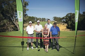 Club captain Vaughn Thomas, Geoff Ogilvy, Mayor Tracey Roberts, Craig Graham (Peet) and club president Greg Mitchell.