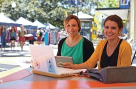 Vanessa Rauland and Portia Odell use the Wi-Fi at Kings Square in |Fremantle. Picture: Matt Jelonek www.communitypix.com.au d427548