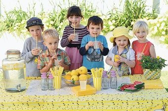 Felix Properjohn, Erik Craig, Charlotte Pougnault, Tristan Pougnault, Freya Properjohn and Finja Craig supping homemade lemonade.