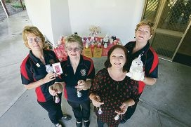 Lorraine Alvin, Jo Holding, Jan Morgan from Coastal Candles and Annie Purdy at the markets' new site. Picture: Emma Goodwin d426954
