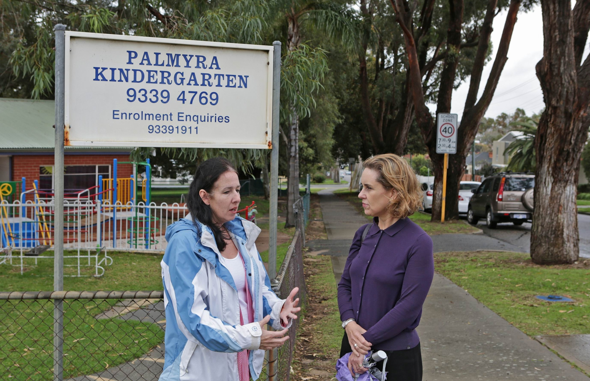 Parent Jill Willetts with Fremantle MLA Simone McGurk.