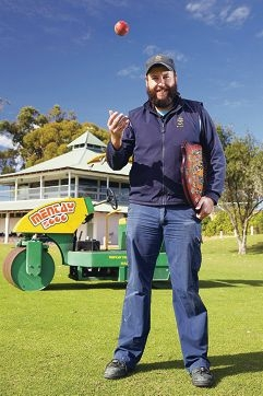 Luke Cooney recently won the National Australian Sports Turf Graduate Award.