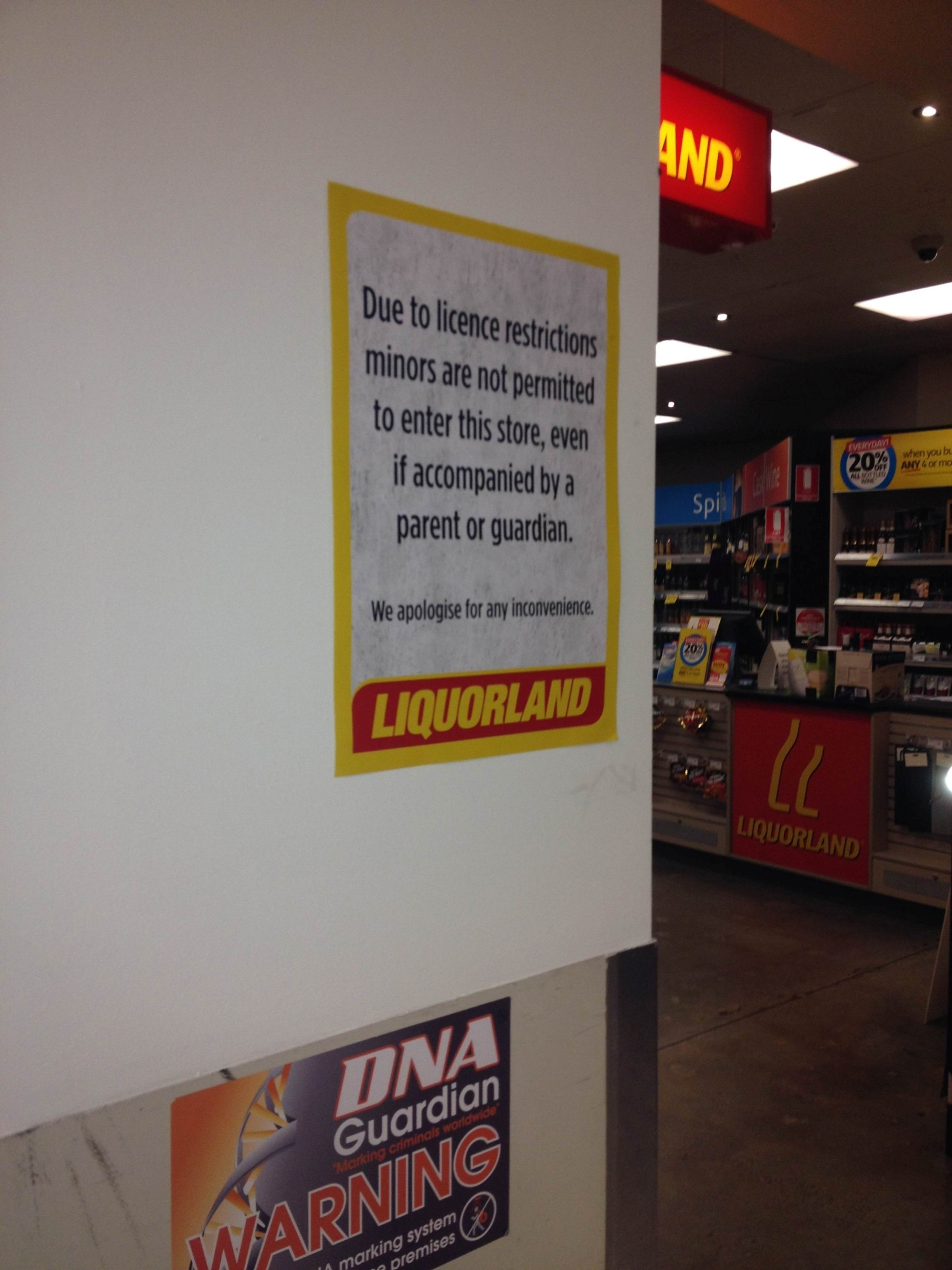 The original sign at Mandurah Liquorland that informed customers of the licensing restrictions.