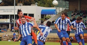 Sorrento's Steve McDonald contests a header. Picture: Pat Simcox