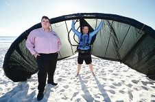 WA Kite Surfing Association president Darren Ellis with vice-president Drew Norton. d424154