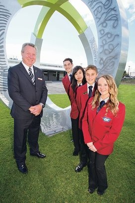 Principal Ron Bamford with students Isaiah Kuru, Amanda Lee, Sean Austin and Murron Carroll. Picture: Bruce Hunt www.communitypix.com.au d423746