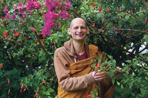 Venerable Amaranatho believes the FIFO lifestyle is not conducive to happiness.
