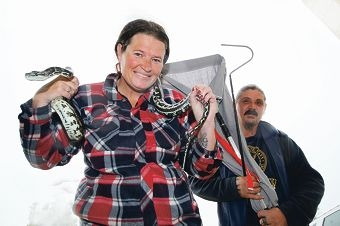 Snake fanciers Sonya Vinen and Gary Crook. Picture: Bruce Hunt www.communitypix.com.au d422658