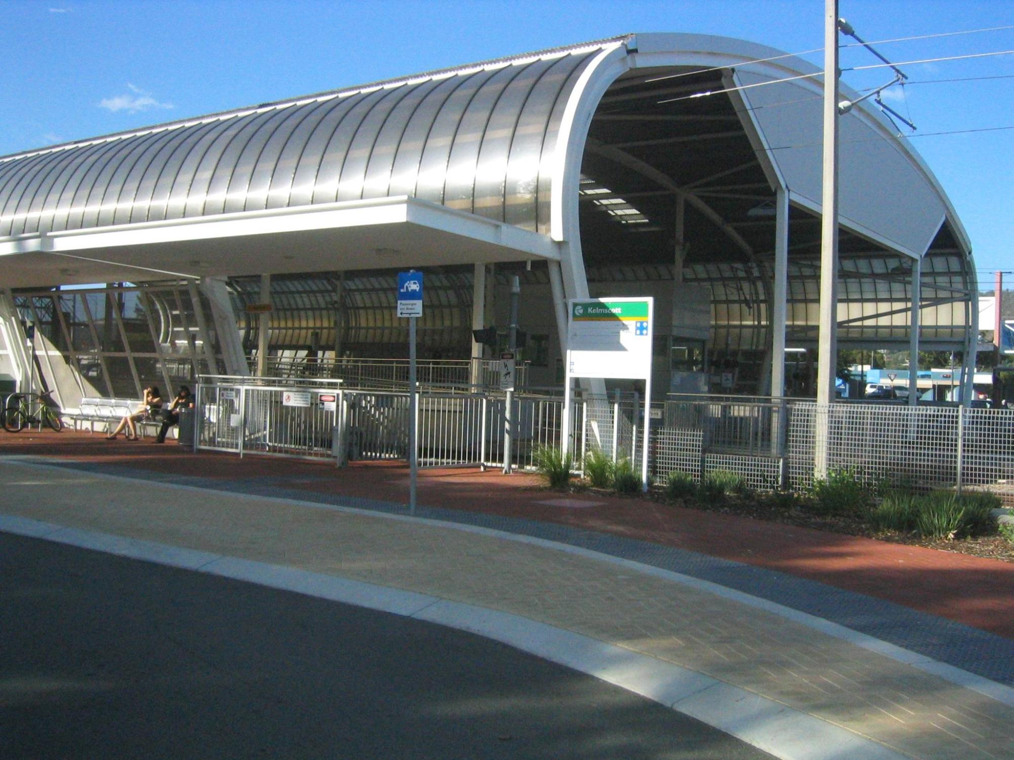 Kelmscott Station.