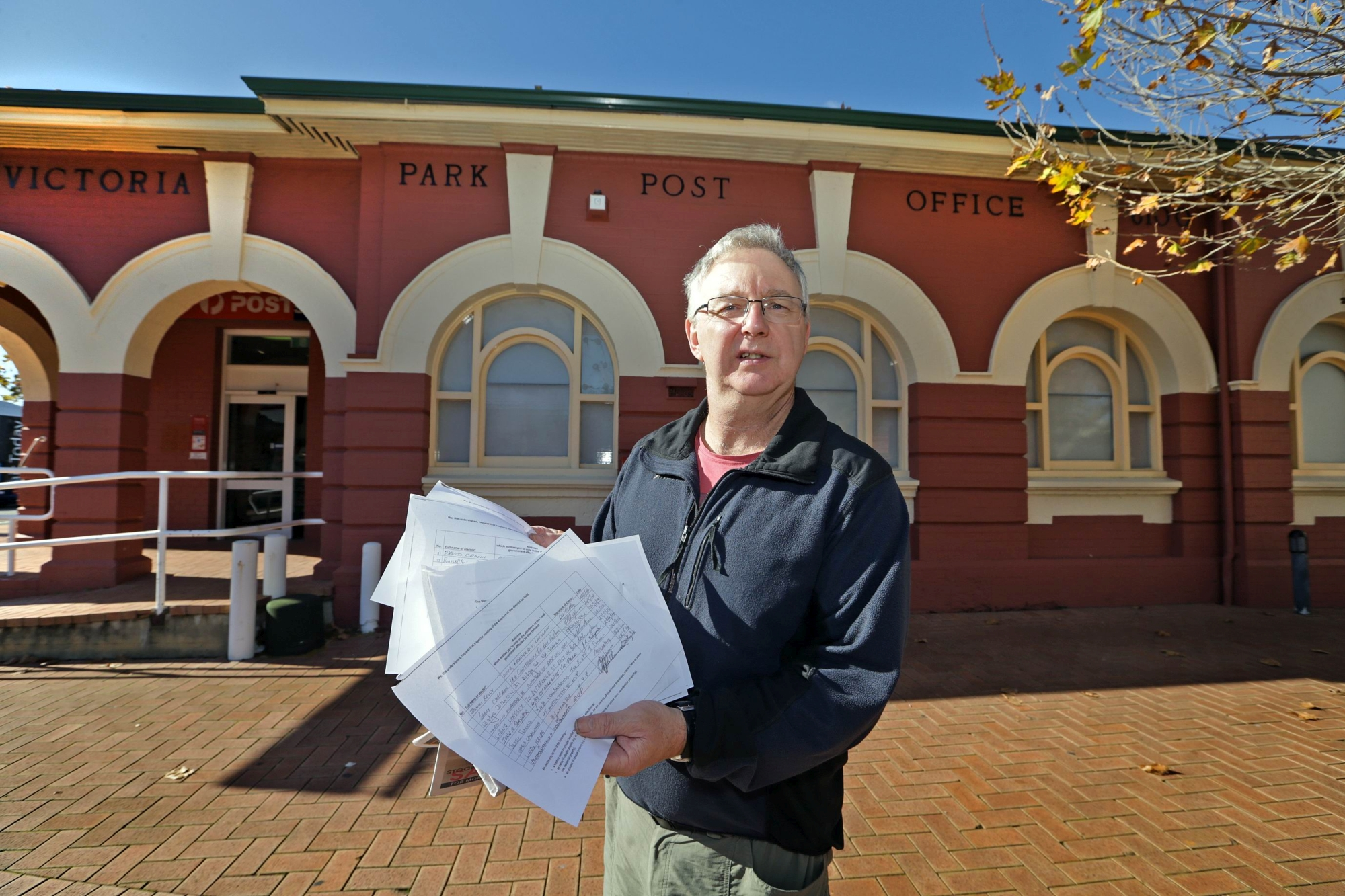Andrew Cooper has called an electors' meeting to fight council amalgamations. Picture: Martin Kennealey d421974