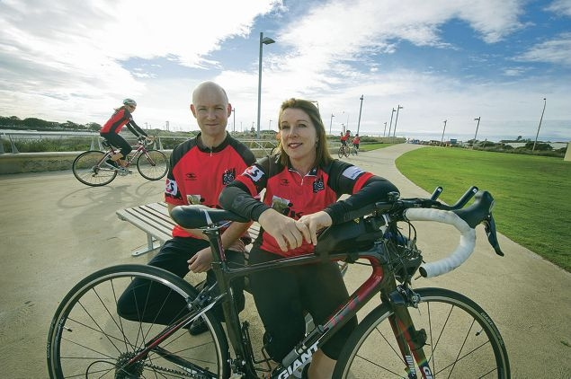 Steven Massey and Dawn Metcalfe will be taking part in the Ride to Conquer Cancer. Picture: Emma Reeves www.communitypix.com.au d421108