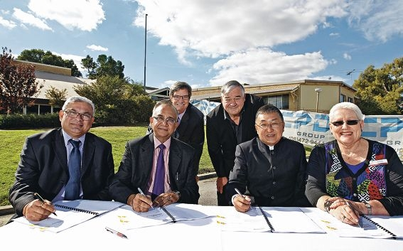 Vice President Indian Society WA Samir Tirodkar, President Indian Society WA Mukesh Jain, Meber for Riverton Mike Nahan, Commissioner for the City of Canning Linton Reynolds, President of Chung Wah Sammy Yap and City of Canning chief executive officer Lyn Russell. Picture: Elle Borgward d420895
